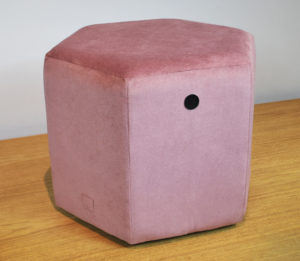 Puff hexagonal rosa REmuebles (1)